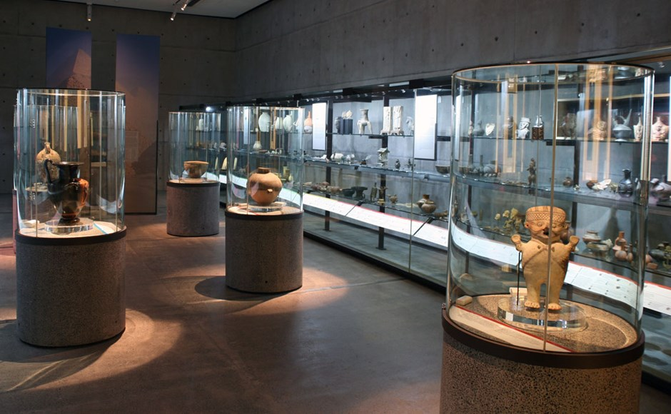 Akl Museum Display Cabinets 01